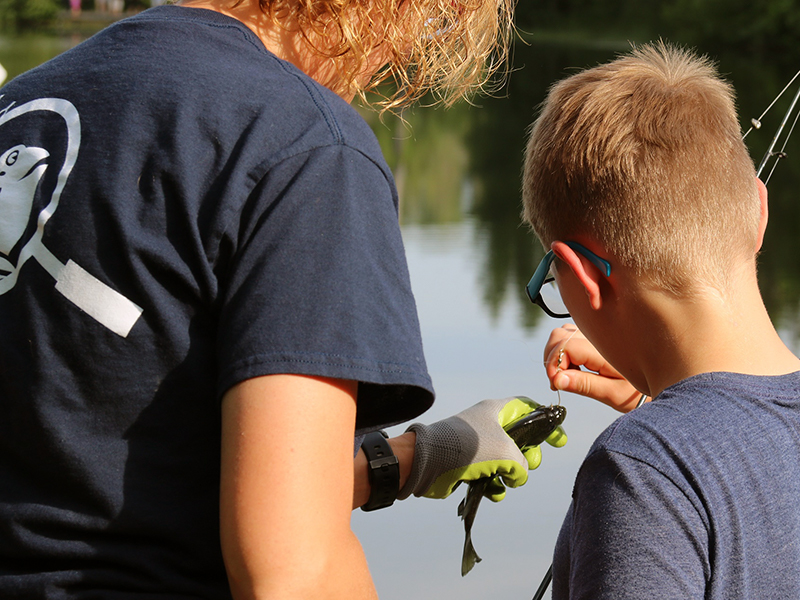 children fishing